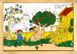 Astrid Lindgren 4 träpussel i trälåda